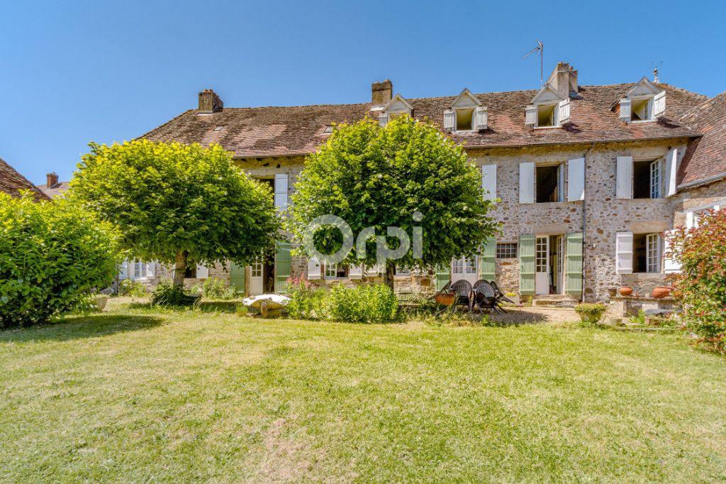 Maison à vendre 14 278m2 à Saint-Priest-Ligoure vignette-1