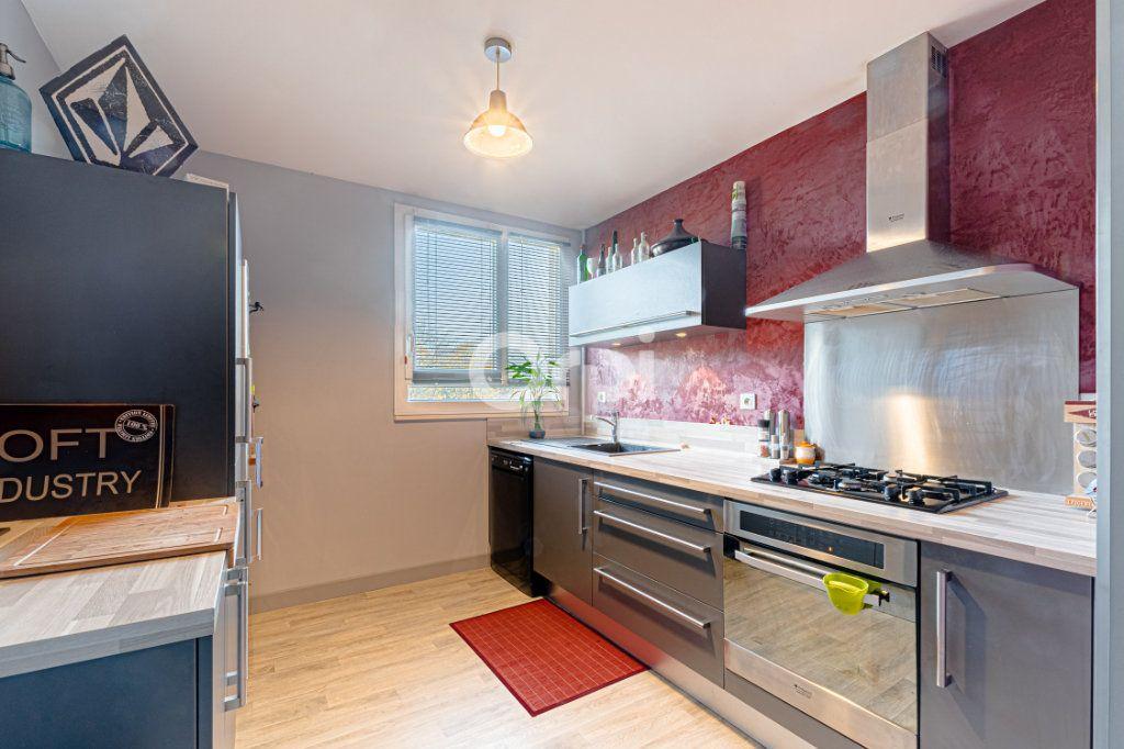 Appartement à vendre 4 80m2 à Limoges vignette-2