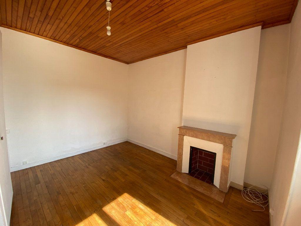 Appartement à louer 3 62.24m2 à Limoges vignette-7