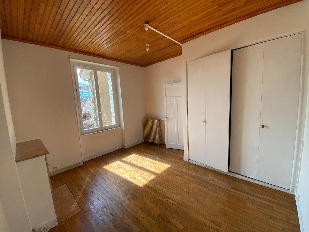 Appartement à louer 3 62.24m2 à Limoges vignette-8