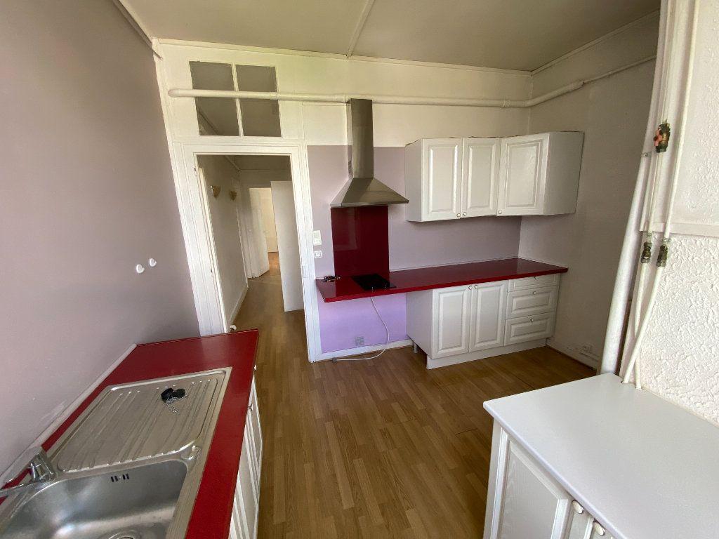 Appartement à louer 3 62.24m2 à Limoges vignette-9