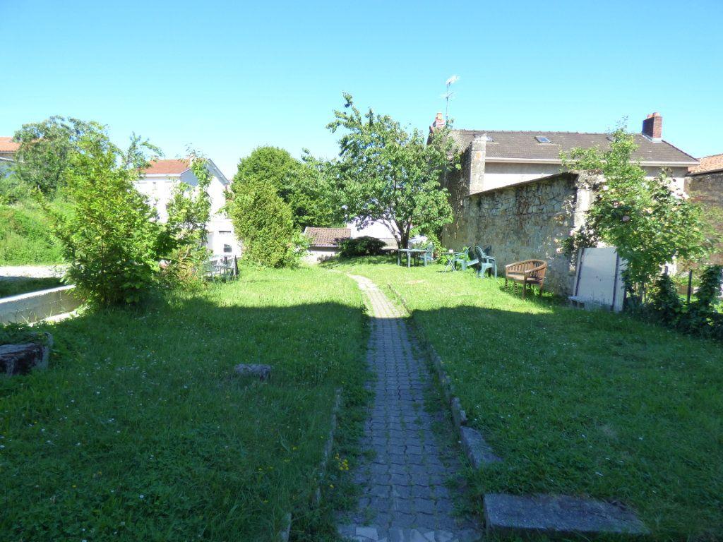 Appartement à louer 3 62.24m2 à Limoges vignette-12