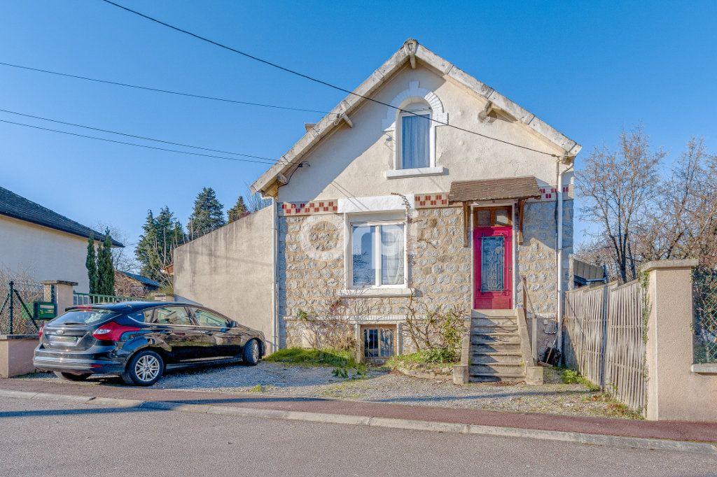 Maison à vendre 5 111.35m2 à Limoges vignette-1