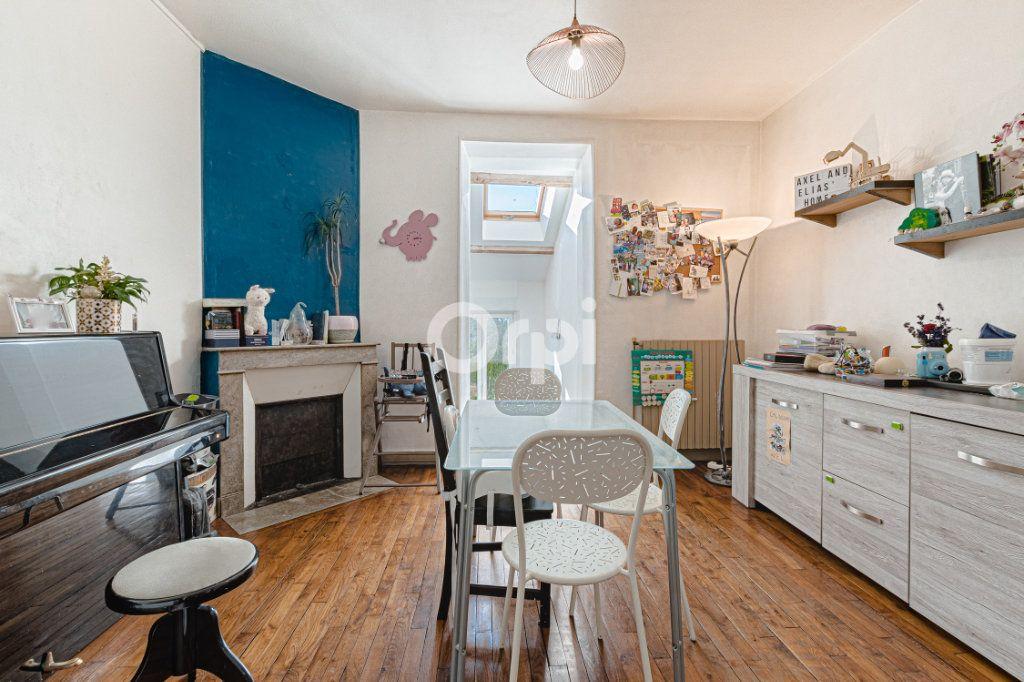 Maison à vendre 5 111.35m2 à Limoges vignette-2