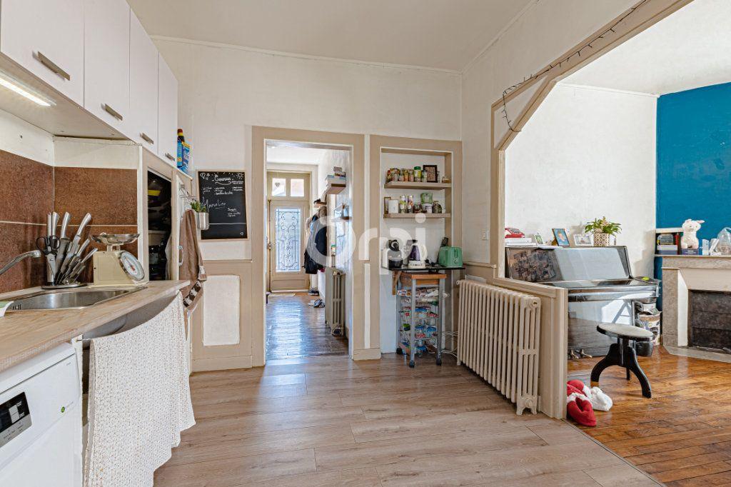 Maison à vendre 5 111.35m2 à Limoges vignette-3