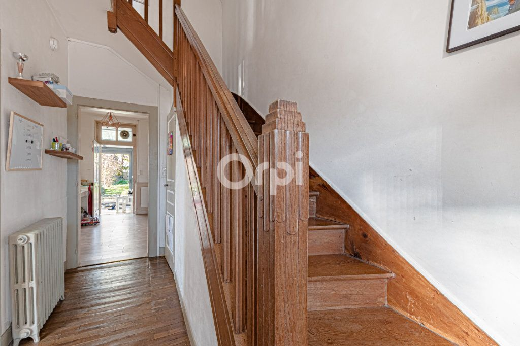 Maison à vendre 5 111.35m2 à Limoges vignette-4