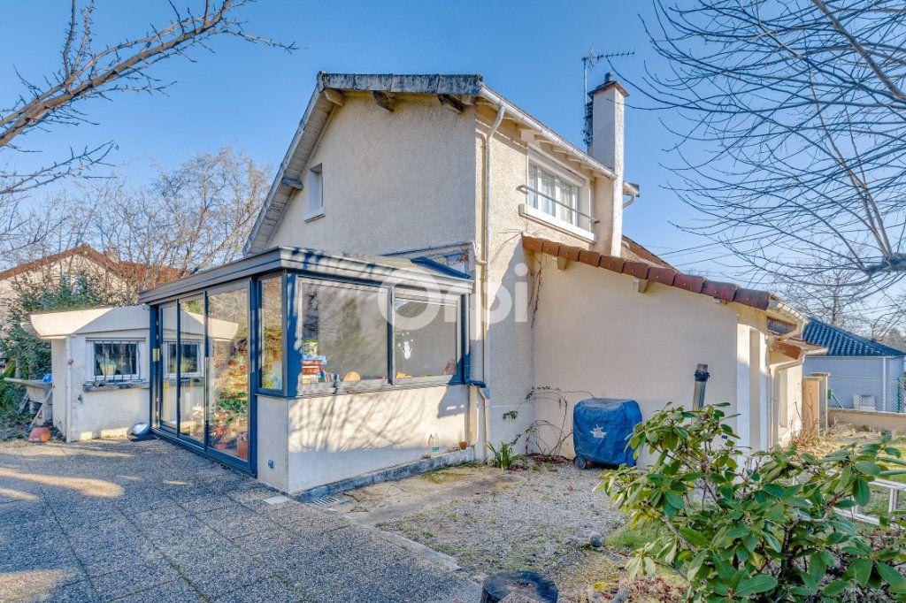 Maison à vendre 5 111.35m2 à Limoges vignette-10