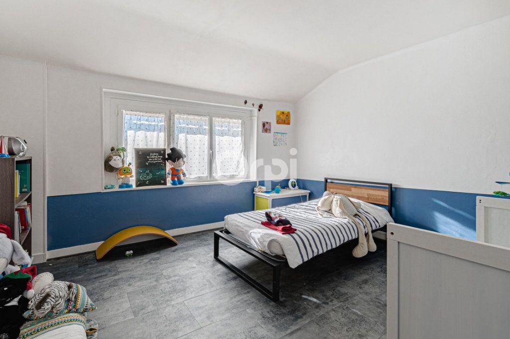 Maison à vendre 5 111.35m2 à Limoges vignette-11