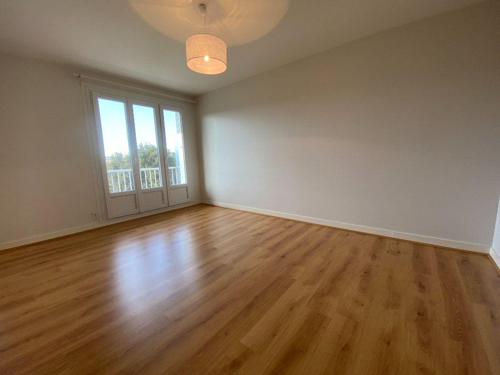 Appartement à louer 2 43.7m2 à Limoges vignette-1