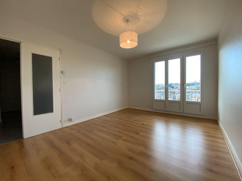 Appartement à louer 2 43.7m2 à Limoges vignette-2
