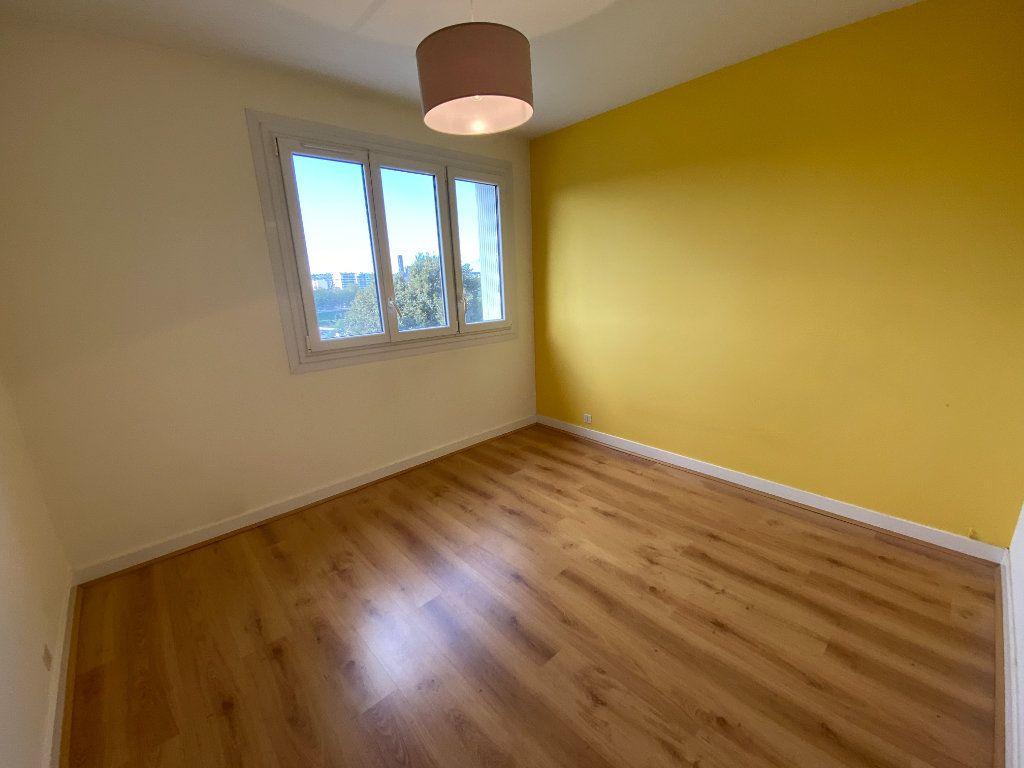 Appartement à louer 2 43.7m2 à Limoges vignette-3