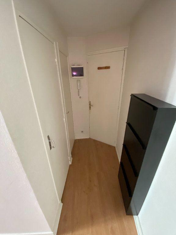 Appartement à louer 1 26.15m2 à Limoges vignette-4