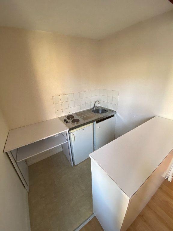 Appartement à louer 1 26.15m2 à Limoges vignette-5