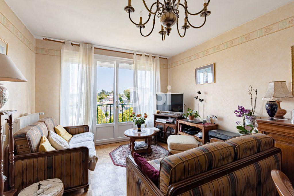 Appartement à vendre 3 56.49m2 à Limoges vignette-3