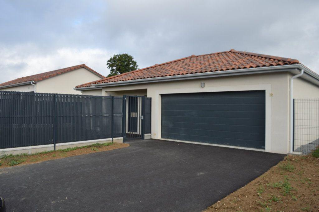 Maison à vendre 6 135.63m2 à Limoges vignette-2