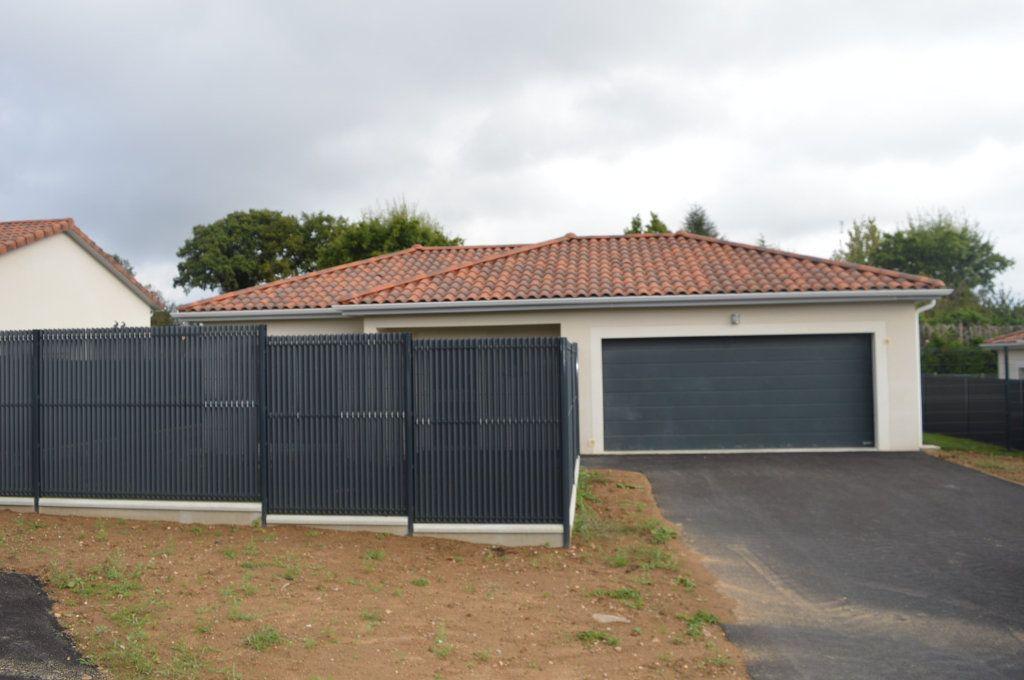 Maison à vendre 6 135.63m2 à Limoges vignette-3