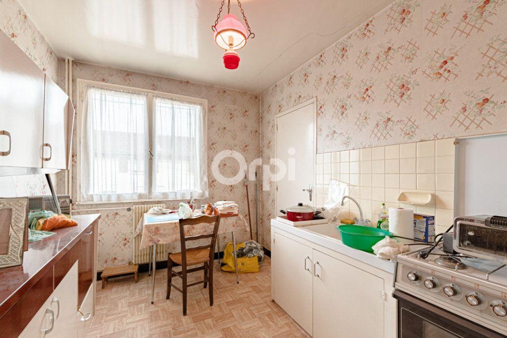 Appartement à vendre 4 89.02m2 à Limoges vignette-3