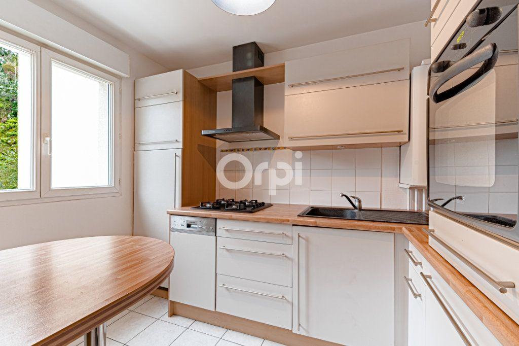 Appartement à vendre 5 90.22m2 à Limoges vignette-4