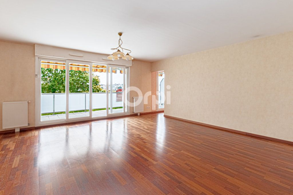 Appartement à vendre 5 90.22m2 à Limoges vignette-5