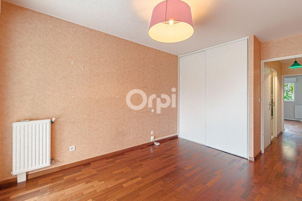 Appartement à vendre 5 90.22m2 à Limoges vignette-6