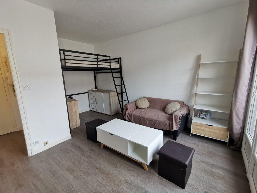 Appartement à louer 1 24.05m2 à Limoges vignette-1