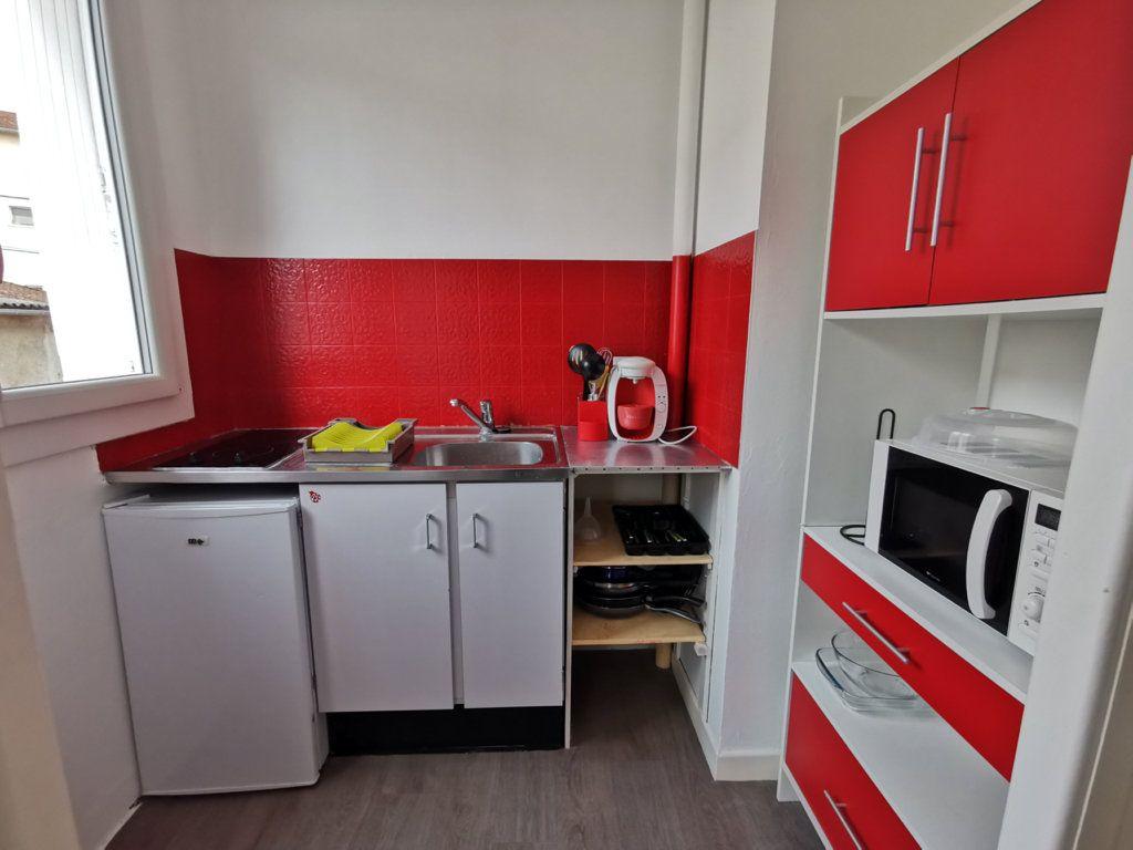 Appartement à louer 1 24.05m2 à Limoges vignette-3