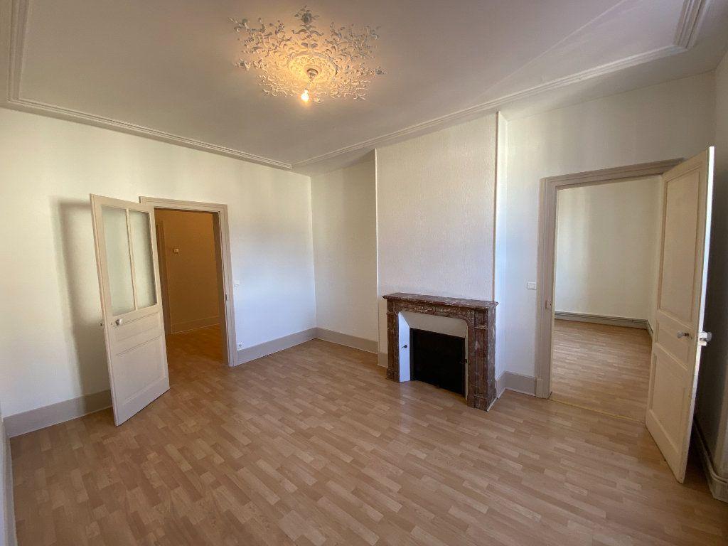 Appartement à louer 4 110m2 à Limoges vignette-1