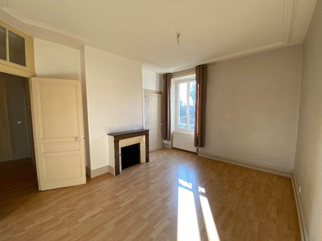 Appartement à louer 4 110m2 à Limoges vignette-2