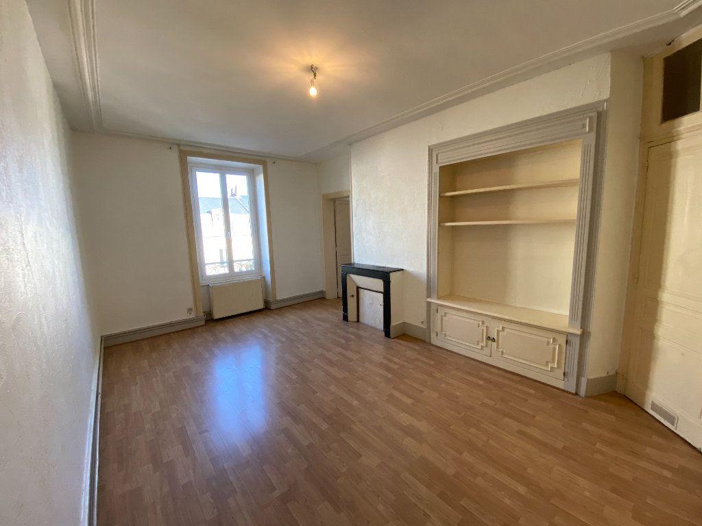 Appartement à louer 4 110m2 à Limoges vignette-4