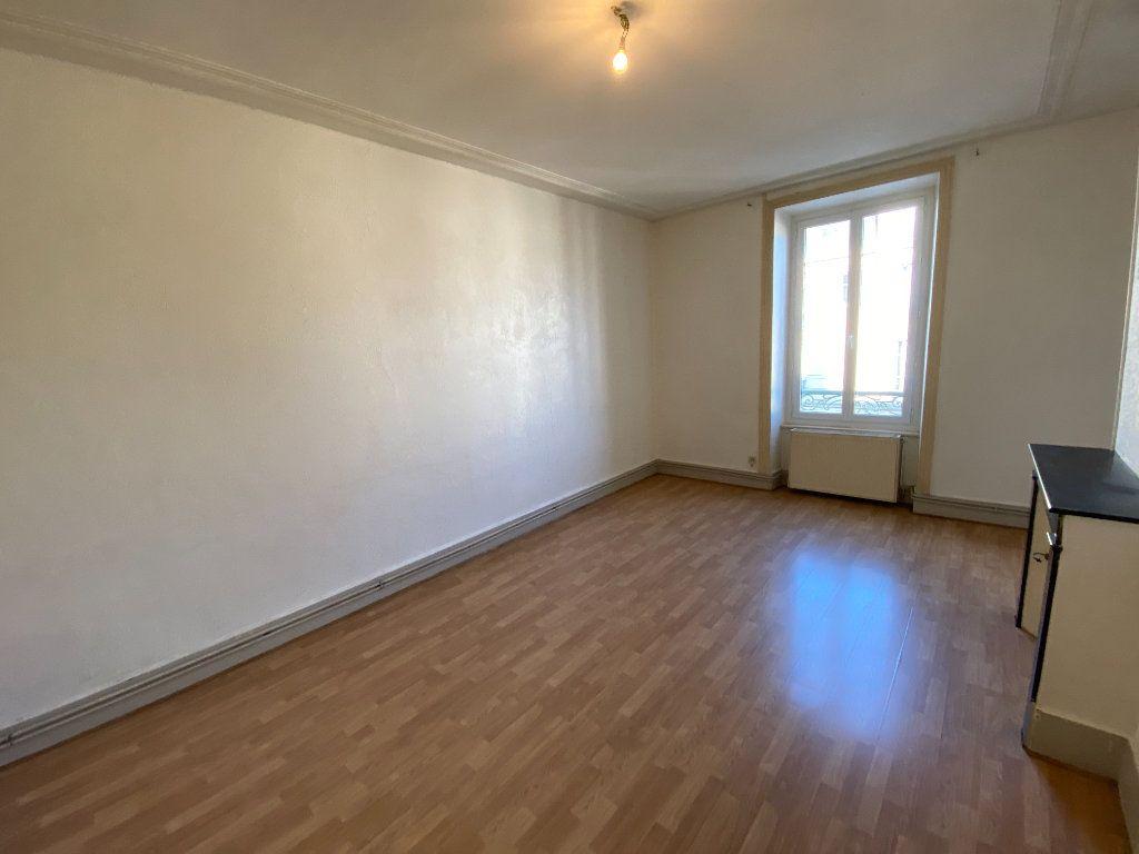 Appartement à louer 4 110m2 à Limoges vignette-5