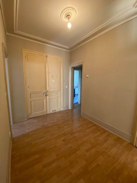 Appartement à louer 4 110m2 à Limoges vignette-6