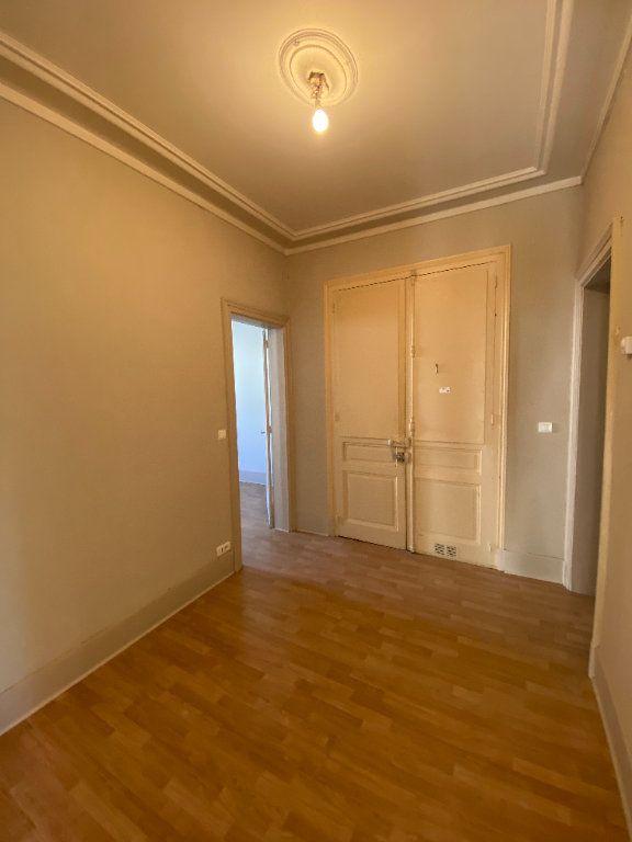 Appartement à louer 4 110m2 à Limoges vignette-7