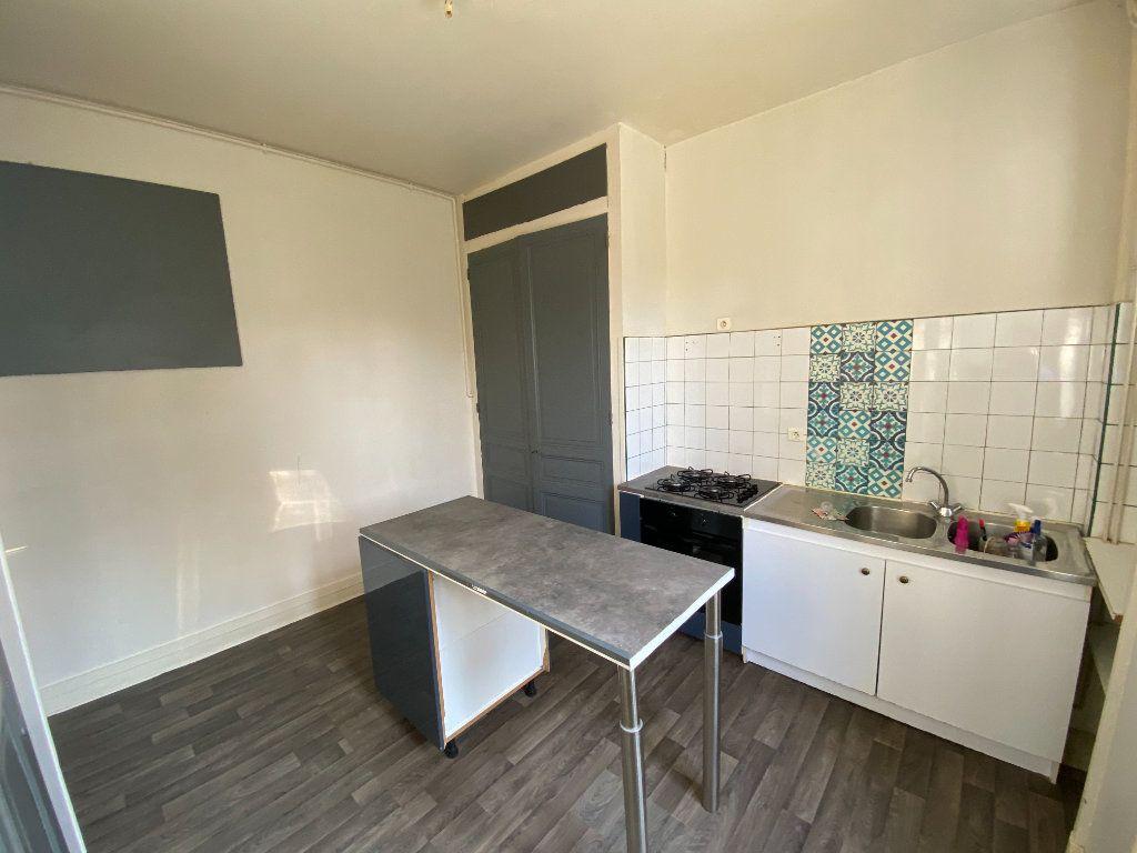 Appartement à louer 4 110m2 à Limoges vignette-9