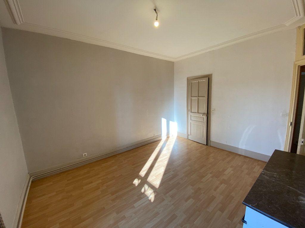 Appartement à louer 4 110m2 à Limoges vignette-11