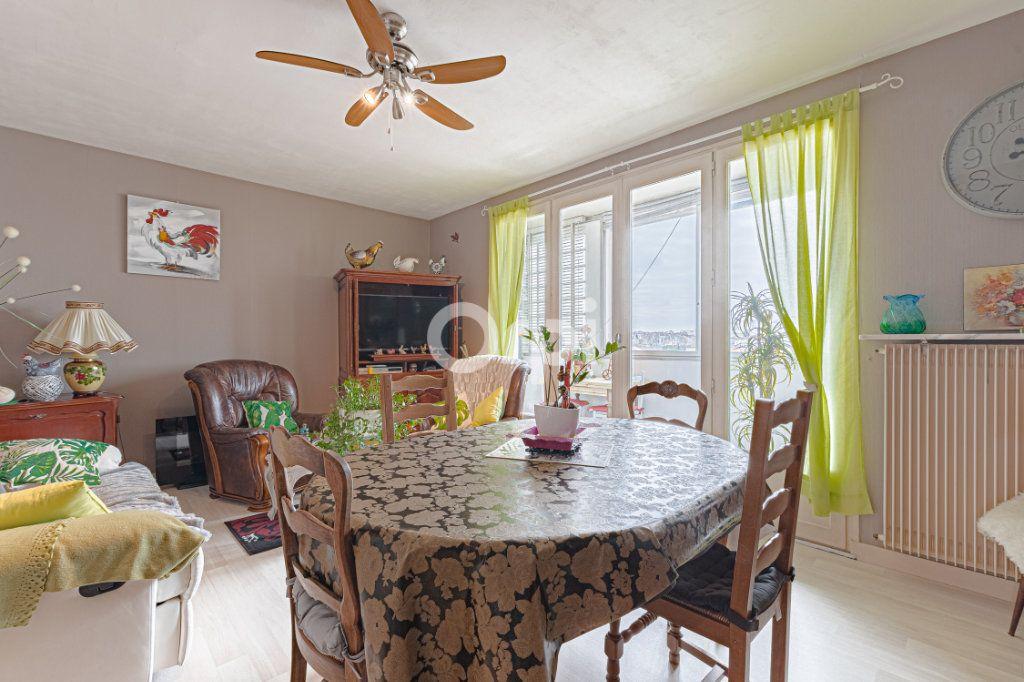 Appartement à vendre 3 73.58m2 à Limoges vignette-3