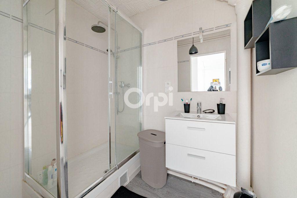 Appartement à louer 4 69.8m2 à Limoges vignette-4