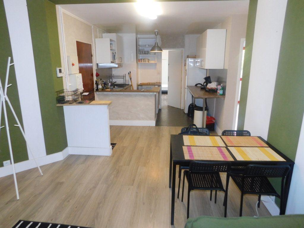 Appartement à louer 2 13.5m2 à Limoges vignette-4
