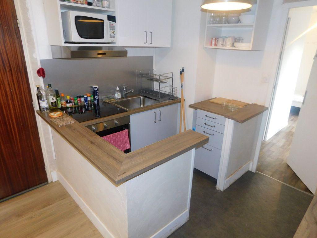 Appartement à louer 2 13.5m2 à Limoges vignette-5