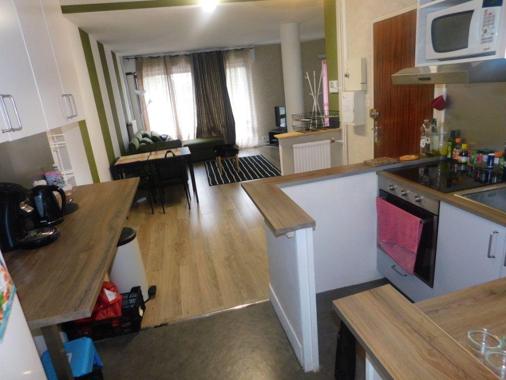 Appartement à louer 2 13.5m2 à Limoges vignette-6