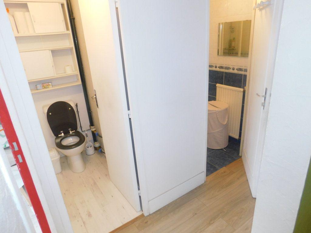 Appartement à louer 2 13.5m2 à Limoges vignette-8