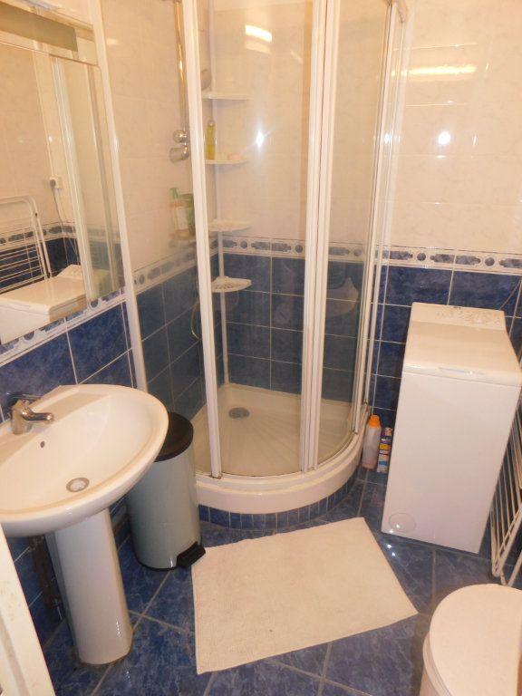 Appartement à louer 2 13.5m2 à Limoges vignette-9