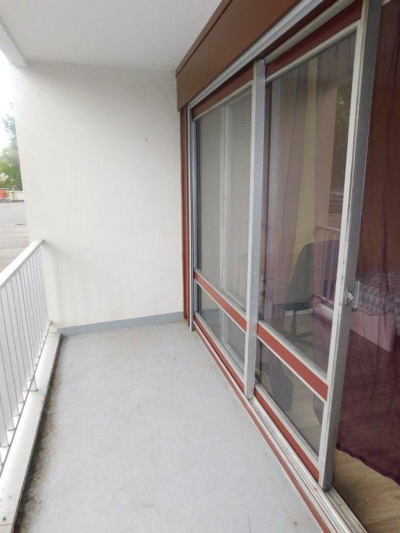 Appartement à louer 2 13.5m2 à Limoges vignette-11