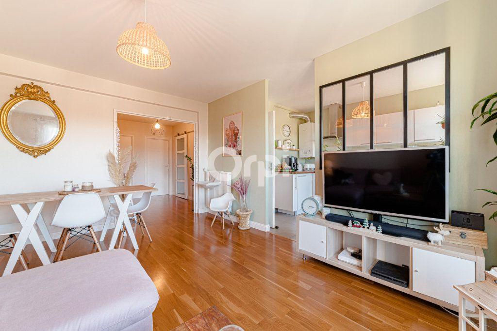 Appartement à vendre 3 68.58m2 à Limoges vignette-2