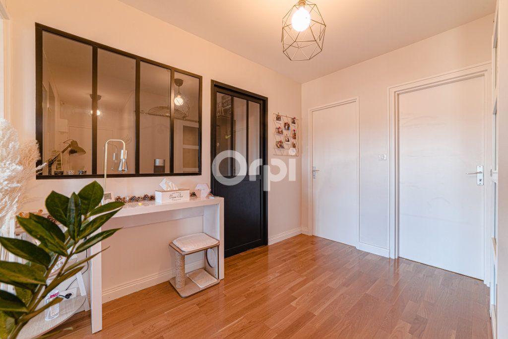 Appartement à vendre 3 68.58m2 à Limoges vignette-5