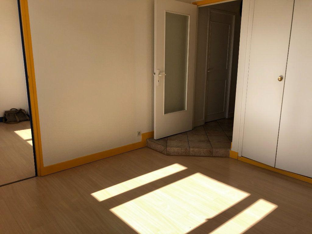 Appartement à vendre 1 34m2 à Limoges vignette-3