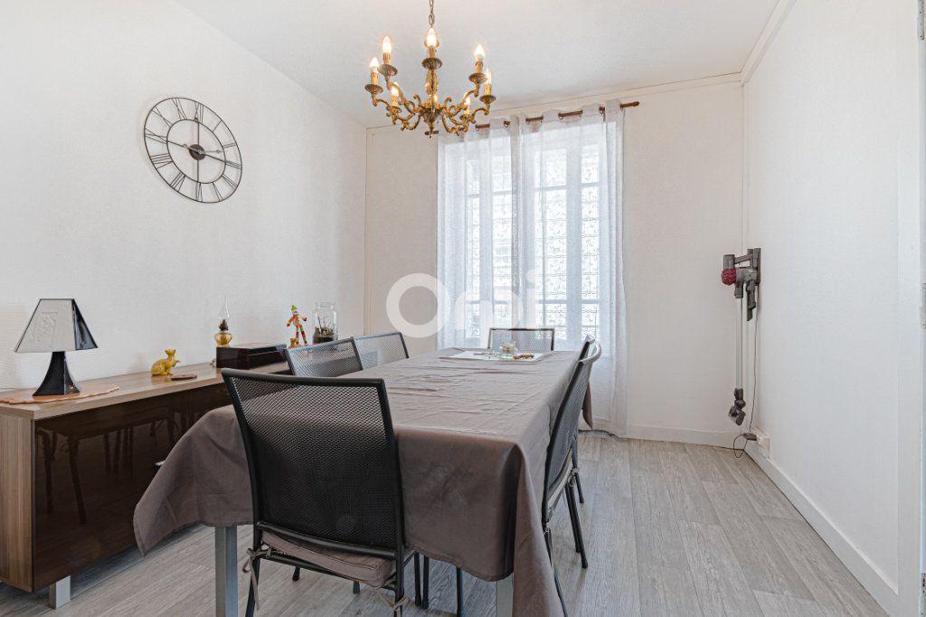 Maison à vendre 6 107.87m2 à Limoges vignette-3