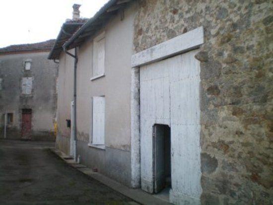 Maison à vendre 5 70m2 à Cognac-la-Forêt vignette-1