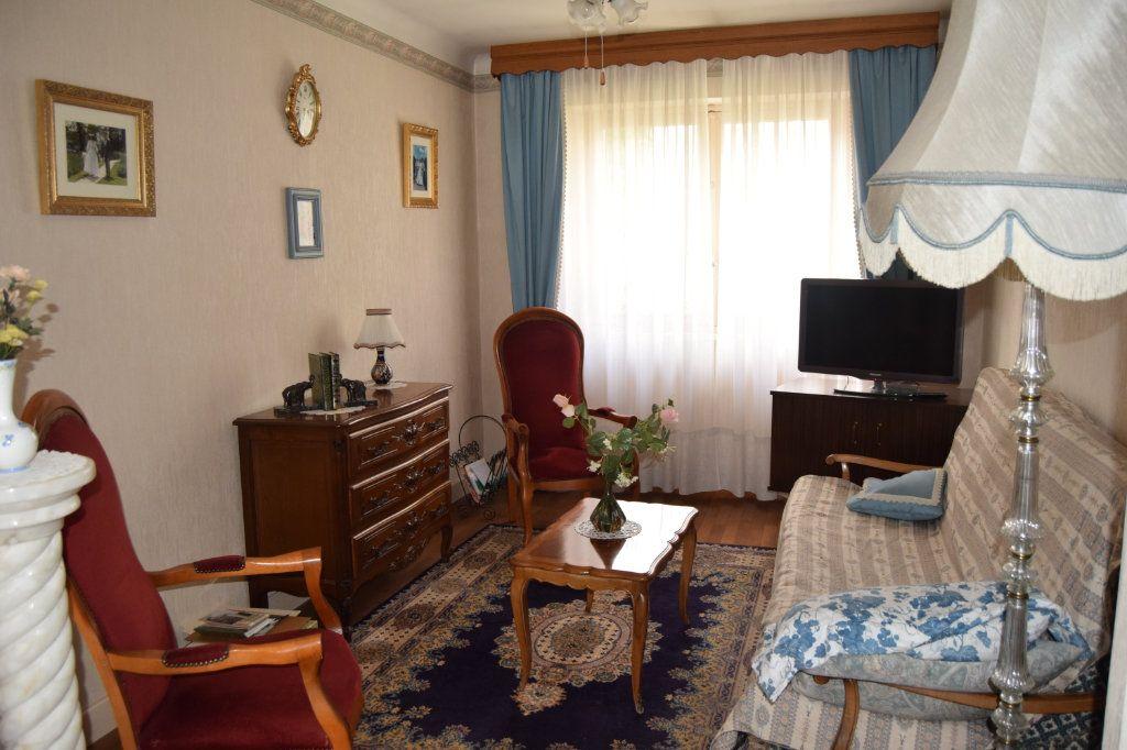 Maison à vendre 5 100.45m2 à Limoges vignette-4