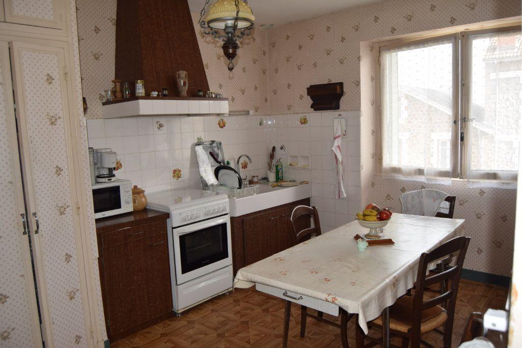 Maison à vendre 5 100.45m2 à Limoges vignette-5