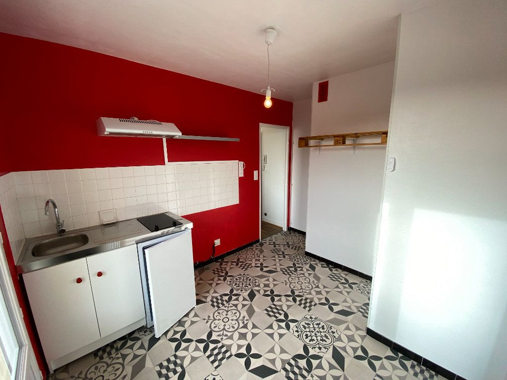 Appartement à louer 1 30.43m2 à Limoges vignette-9